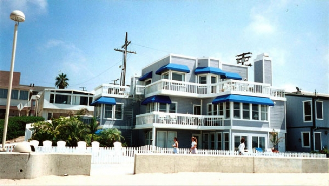 Kelly And Donna S Beach Apartment 90210 Locations
